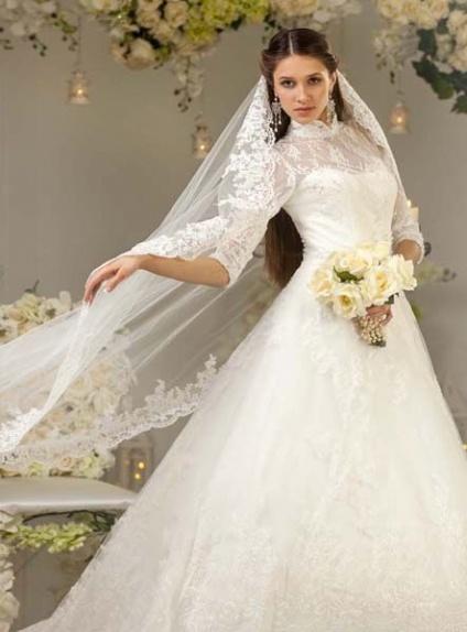 Favoloso da Sposa accollato con maniche adatto a inverno e autunno in pizzo  PI69