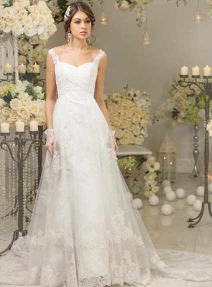 Favoloso A-line Sweetheart Chapel train Lace Tulle Wedding dress ZD96