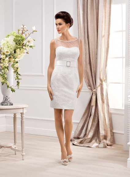 Short Sheath Mini Lace Sweetheart Wedding Dress